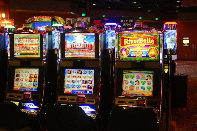 Игровое казино Vulcan Neon  с бесплатными автоматами