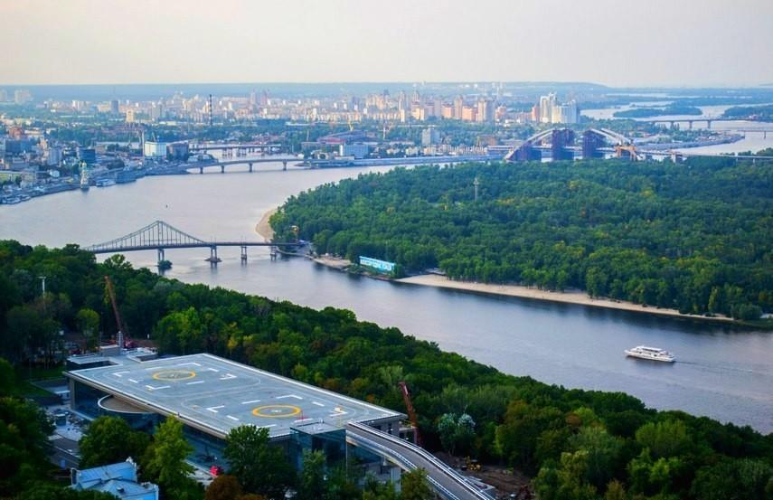 На реконструкцию Петровской аллеи и Парковой дороги в Киеве потратят 86 млн грн