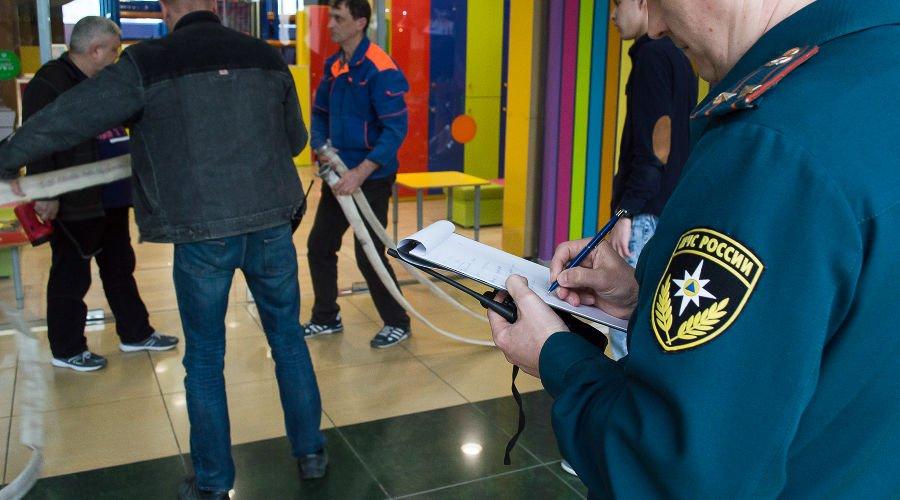 400 торговых центров закрыто после проверок пожарной безопасности