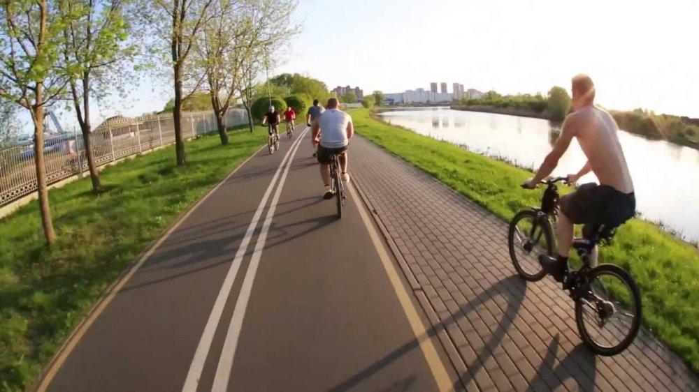 Километры велодорожек проложат в московских парках