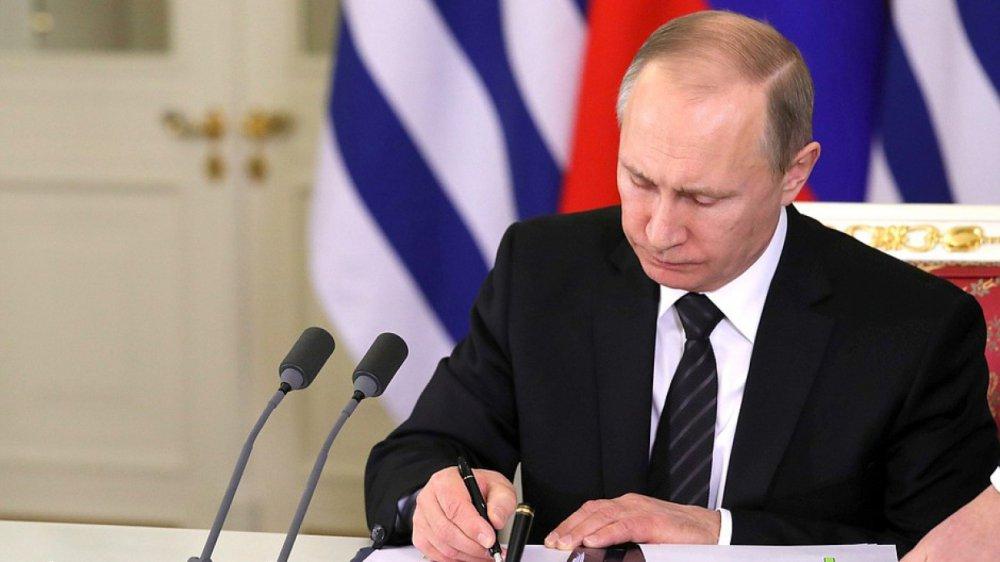 Путин поручил срочно выдать сертификаты жителям Ставрополья, потерявшим жилье