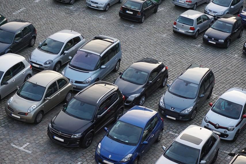 Назван размер новых штрафов за неправильно припаркованное авто