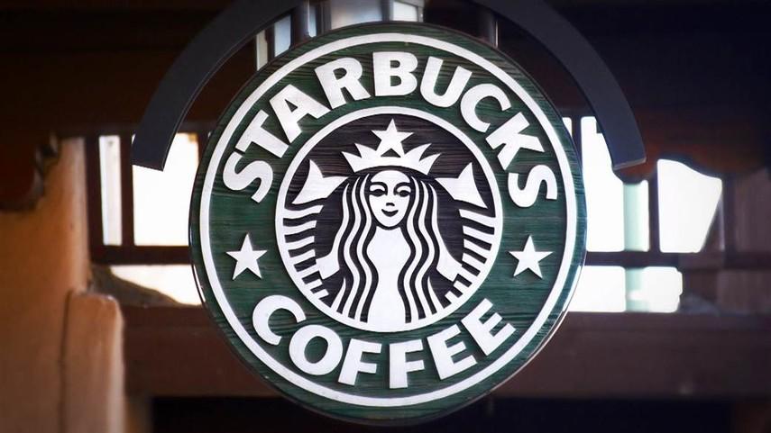 Starbucks будет закрывать кофейни в США