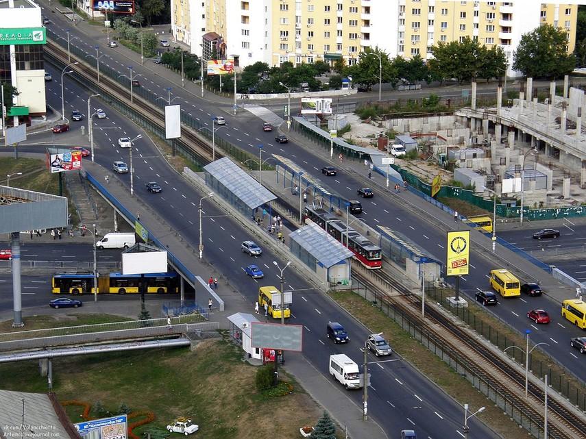 В Киеве на улице Борщаговской ограничат движение транспорта