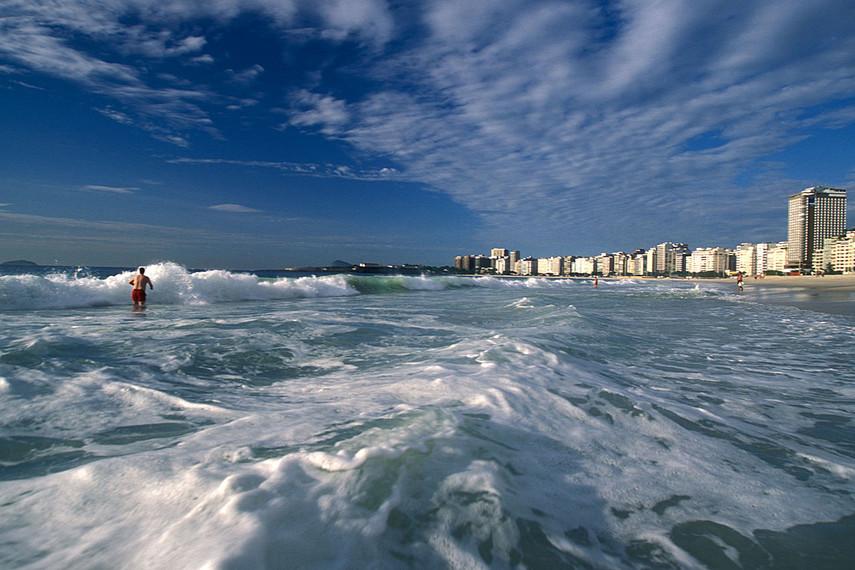 Топ-8 самых опасных пляжей мира