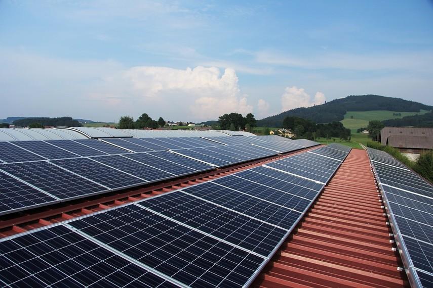 Жена Авакова открыла фирму по производству солнечной электроэнергии