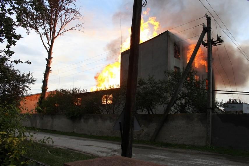 В Тернопольской области горел спиртзавод (Фото)