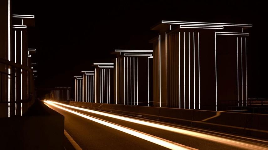 В Нидерландах дамба освещается без электричества (Видео)