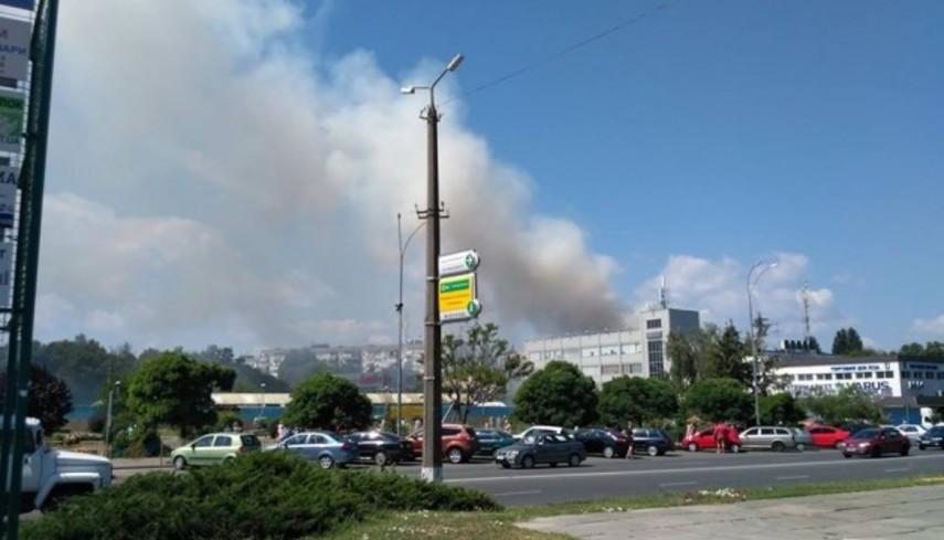 В Броварах загорелся пятиэтажный дом