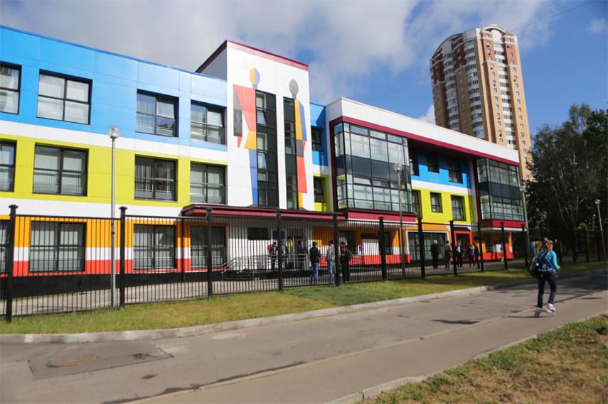 В Украине на первых этажах домов могут появиться школы