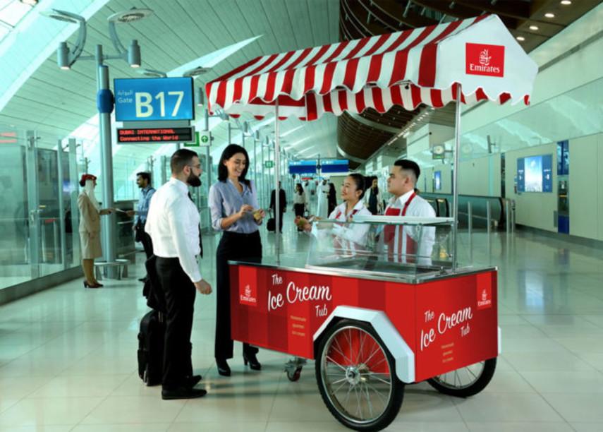 В аэропорту Дубая пассажирам будут раздавать бесплатное мороженное