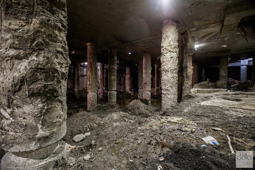 Киевсовет поддержал сохранение артефактов на Почтовой площади, но договор с инвестором не разорвал