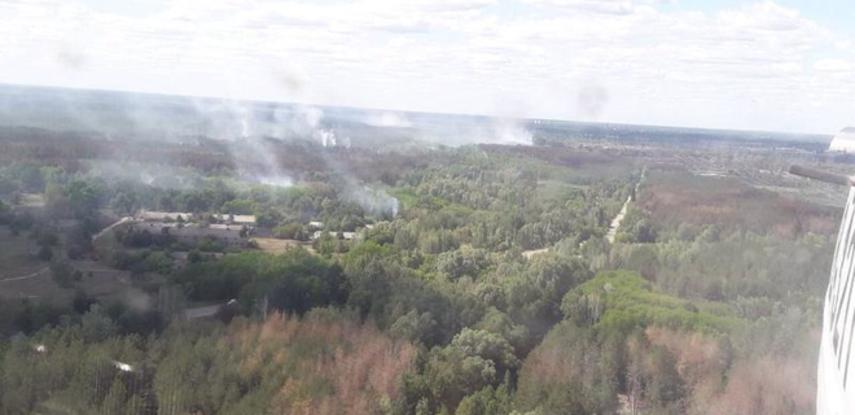 В зоне ЧАЭС опять загорелась трава