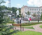 Возле кинотеатра «Жовтень» открыли капитально отремонтированный сквер