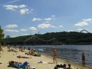 К концу лета купаться на всех киевских пляжах стало опасно