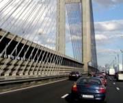 На Южном мосту появились полосы для общественного транспорта