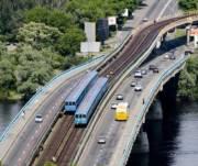 Столичных водителей предупредили, что из-за ремонта на основных мостах пробки