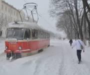 Водителей призвали не пользоваться авто из-за снегопадов и дали советы, как вести себя во время метели
