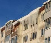 В Киеве штрафуют за неубранные сосульки на крышах