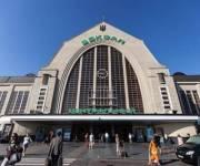 Возле Центрального железнодорожного вокзала уберут стихийную торговлю
