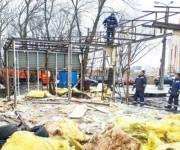 Коммунальщики демонтировали шиномантаж и кафе