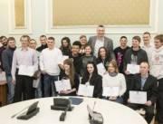 Детям-сиротам в Киеве выделили 24 квартиры