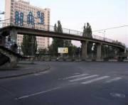 Девять столичных мостов обследуют