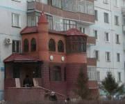 Пристройки на первых этажах домов демонтируют
