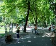 В Киеве за год обещают отремонтировать 90 парков
