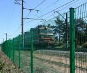 У железнодорожных путей теперь будут устанавливать ограждения
