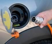 С июля на парковках появятся места с зарядками для электрокаров