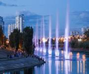 Работу всех фонтанов на Русановке восстановили
