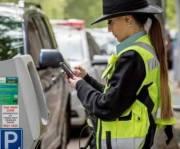 Киевлянам показали, как работают инспекторы по парковке