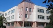 Жители Дарницкого района просят исправить некачественный ремонт школы