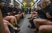 В метро в Киеве изменили правила: не будут пускать обнаженных и грязных людей