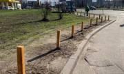 Газоны на Троещине защитят от автомобилей