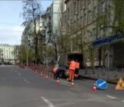 На улице Шота Руставели временно демонтировали делиниаторы
