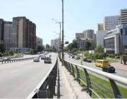 С Голосеевского проспекта убрали полсотни баннеров (фото)