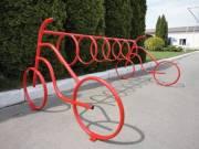 Возле школ в Киеве появятся велопарковки