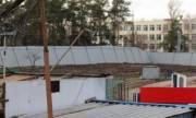 Жители Деснянского района просят обеспечить проход пешеходов через остановленную стройку в парке