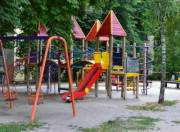 В Киеве проверяют детские площадки во дворах