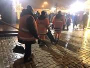Киев круглосуточно убирают от последствий новогодних праздников
