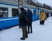 Запущена обновленная электричка в пригород Киева: смотри расписание поезда Святошино – Буча