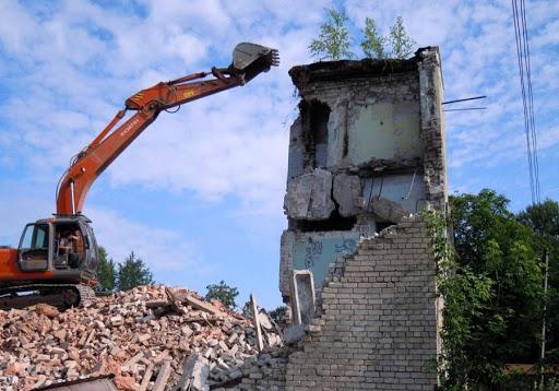 Демонтаж зданий в Москве